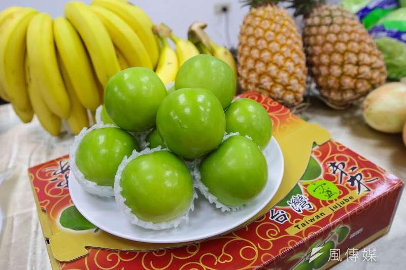 11月外銷訂單金額445.3億美元,如預估連續13個月負成長。圖為台灣外銷的水果。(資料照,顏麟宇攝)