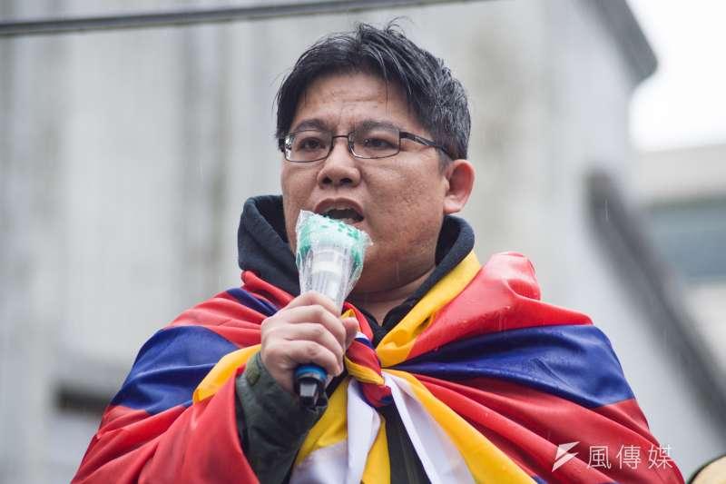 西藏抗暴日60周年大遊行,與會的時代力量黨團主席邱顯智沉痛表示:「這已經不是冤錯案的問題,是國家暴力謀殺人民的問題!」(甘岱民攝)