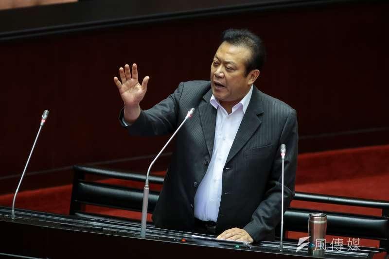 關於爭取屏東立委黨內初選提名,蘇震清說,他願意攤開黨中央參考民調,自己只要有輸1個百分點,就願意尊重黨中央安排。(資料照,顏麟宇攝)
