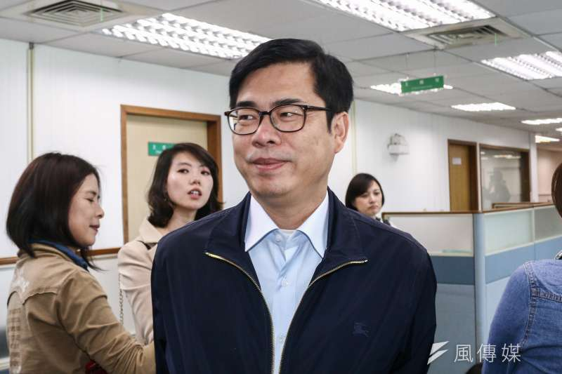 立委補選投票3月16日將登場,藍營控民進黨打恐嚇牌。行政院副院長陳其邁13日表示,中國的軍事崛起對台灣安全形成威脅,一方面與台灣進行交流,一方面又有那麼多飛彈對準台灣,「這個才是恐嚇牌」。(蔡親傑攝)