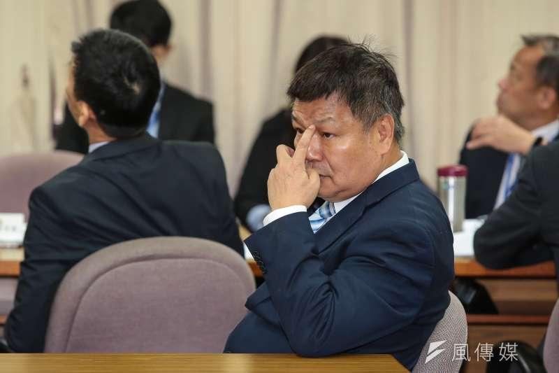 退輔會副主委李文忠接受周玉蔻廣播節目專訪,把在野政黨駡了個遍。(顏麟宇攝)