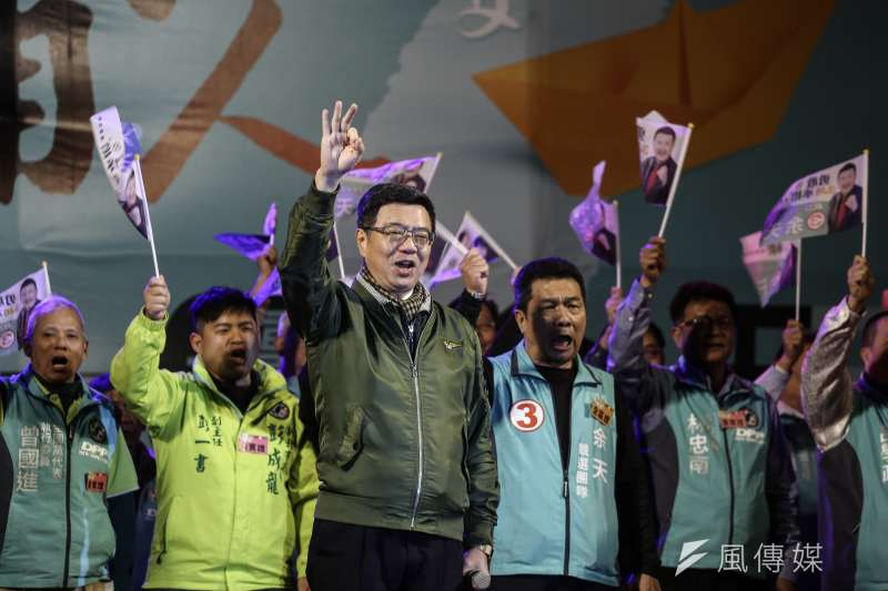 民進黨祕書長卓榮泰選前之夜為三重市立委候選人余天造勢。(陳品佑攝)