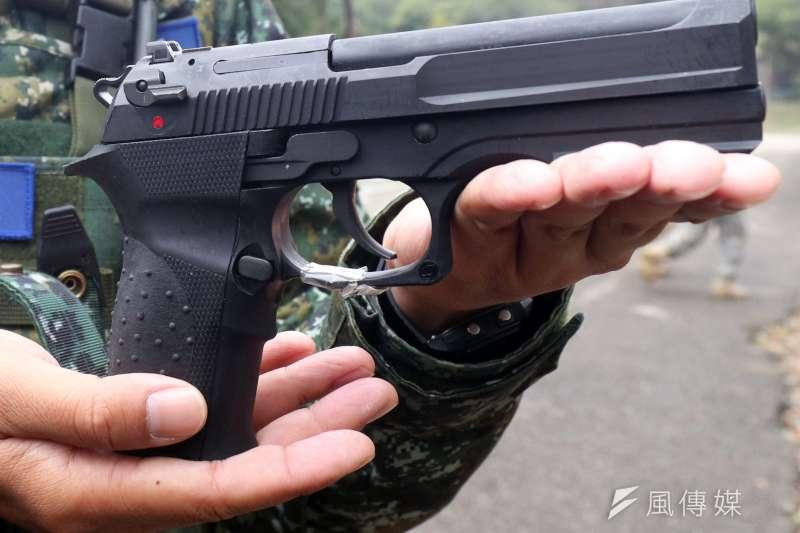20190318-今年1月陸軍234旅在台中地區進行「反擊再戰整補」科目時,曝光一把用以汰換老舊45手槍,現已開始撥交部隊的T-75K3手槍。圖為T-75K3手槍。(蘇仲泓攝)