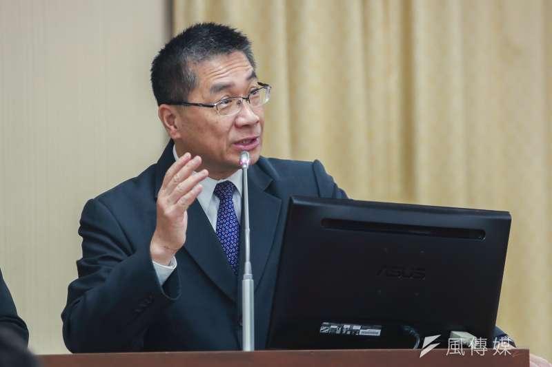 內政部長徐國勇最近為了南安小熊被保育團體駡翻了,圖為徐國勇立法院備詢。(簡必丞攝)