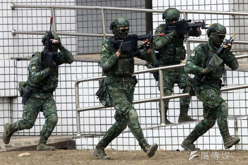 20190320-陸軍特指部特4營日前展開為期20天,總距離達500公里的「濱海城鎮要地行軍訓練」。(蘇仲泓攝)