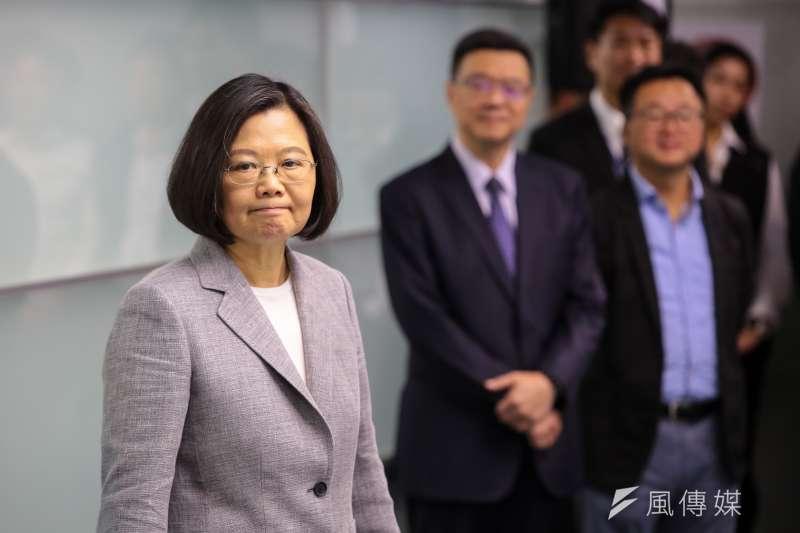 20190321-總統蔡英文21日至民進黨部進行總統初選登記。(顏麟宇攝)