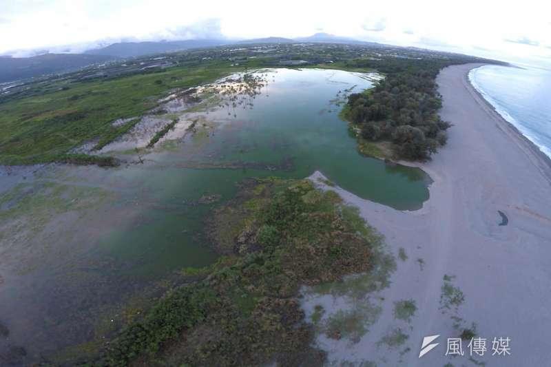 台東知本濕地是卡大地步落的傳統領域,2017年縣府將當地226公頃土地規劃做為光電示範專區,面積為全台最大。(資料照,取自環境資訊中心網站)