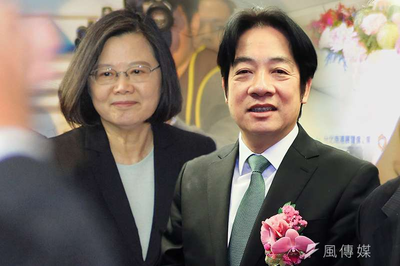 台灣民意基金會今公布民調,若明天是總統選舉投票,55.1%支持前行政院長賴清德(右),26%力挺總統蔡英文(左)連任。(資料照,簡必丞攝/影像合成:風傳媒)