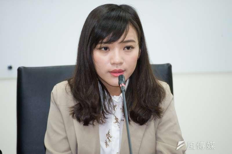 日前一名國三模範生當面對高雄市長韓國瑜批評「選總統很可笑」,引發部分支持者不滿。對此,高雄市議員黃捷表示,大人不應用權威來控制孩子的自主性。(資料照,甘岱民攝)
