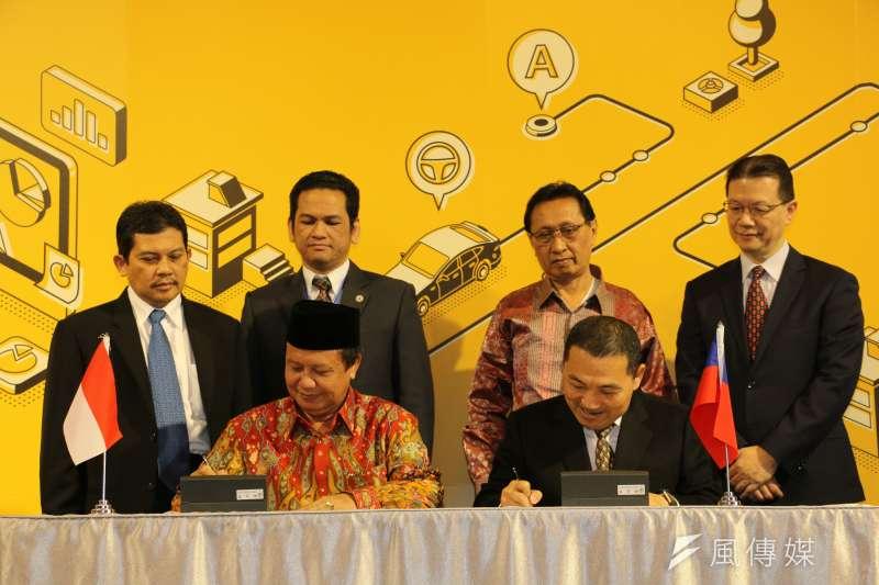 新北市長侯友宜26日與印尼西爪哇省簽署「新北市─印尼西爪哇省智慧城市合作備忘錄」,並相互交流分享智慧城市發展經驗,後續雙方將積極促成智慧城市各面向上的互利合作,共同引領智慧城市再升級。  。 (圖/李梅瑛攝)