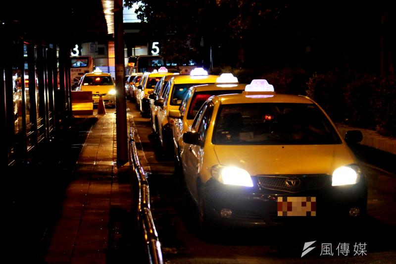 LINE TAXI自2019年10月上線以來,用戶透過LINE應用程式就能使用叫車、付款、分享行程等功能,與LINE生態圈深度整合,合作車隊司機超過6000人,註冊會員數已超過80萬人。(方炳超攝)