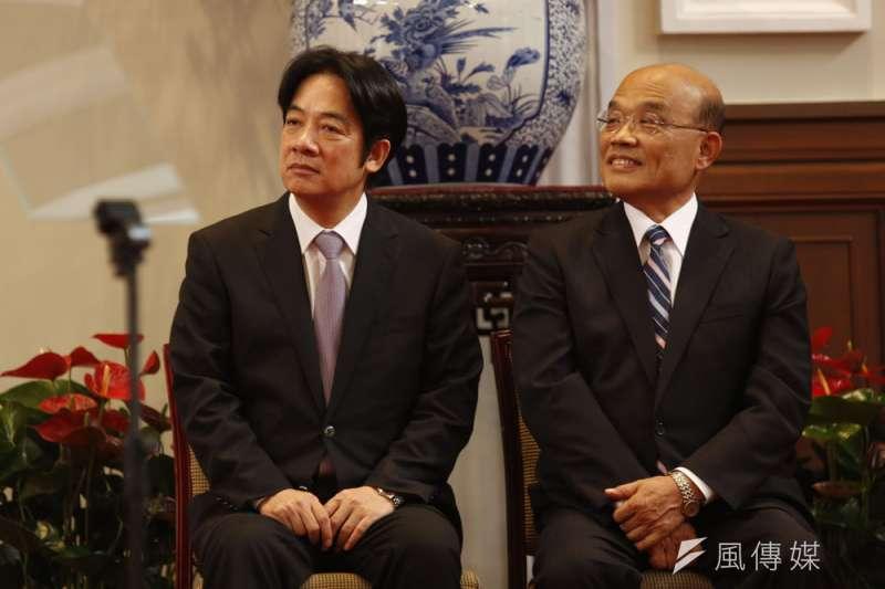 接任閣揆的蘇貞昌(右)由賴清德(左)勸進,卻未完全延續自己的政策。(郭晉瑋攝)