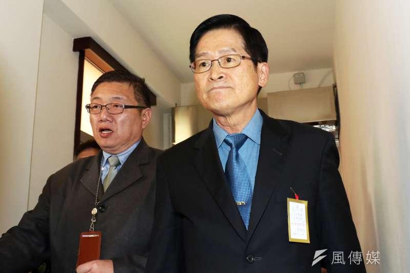 立法院外交國防委員會28日邀請國防部長嚴德發就「潛艦國造執行進度」進行機密報告。(蘇仲泓攝)