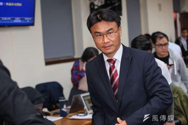 農委會主委陳吉仲表示,2個月內要讓還在用廚餘養豬的129場完成轉型,掃除防疫漏洞,他認為台灣不會有疫情,除非有人刻意啟動生物戰。(資料照,顏麟宇攝)