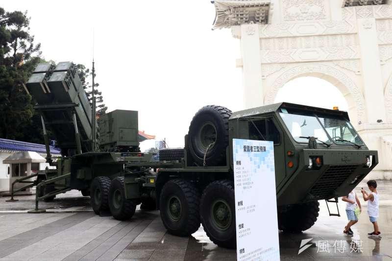 20190402_愛國者飛彈是台灣長程防空的重要武器,圖為愛國者飛彈發射車展示。(資料照,蘇仲泓攝)