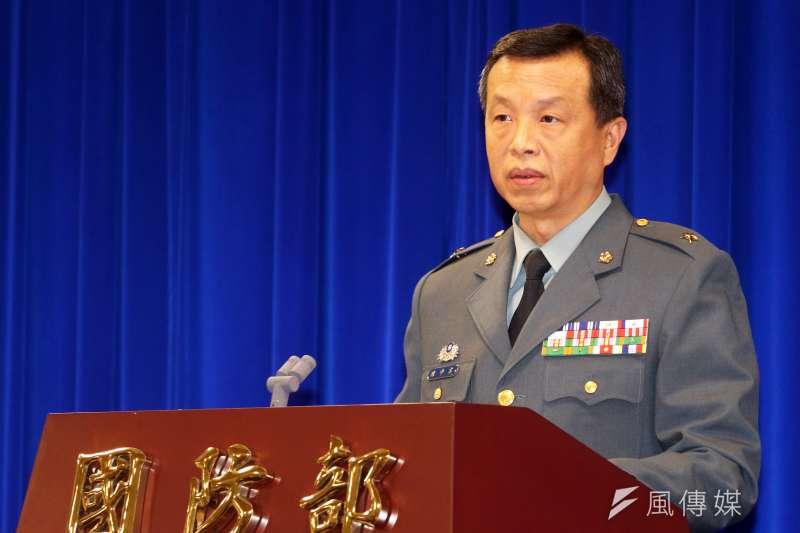 針對共軍上月31日兩架殲11戰機穿越海峽中線,國防部發言人陳中吉少將9日表示,國軍針對各種狀況都有研擬應處的規定,甚至防空飛彈都有進入接戰程序。(蘇仲泓攝)