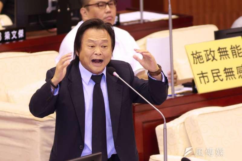 中國先前以台灣鳳梨有介殼蟲害為由,暫停台灣鳳梨進口,民進黨台北市議員王世堅5日在政論節目上表示,中國方面「生要見蟲,死要見屍」應提出證據。(資料照,簡必丞攝)