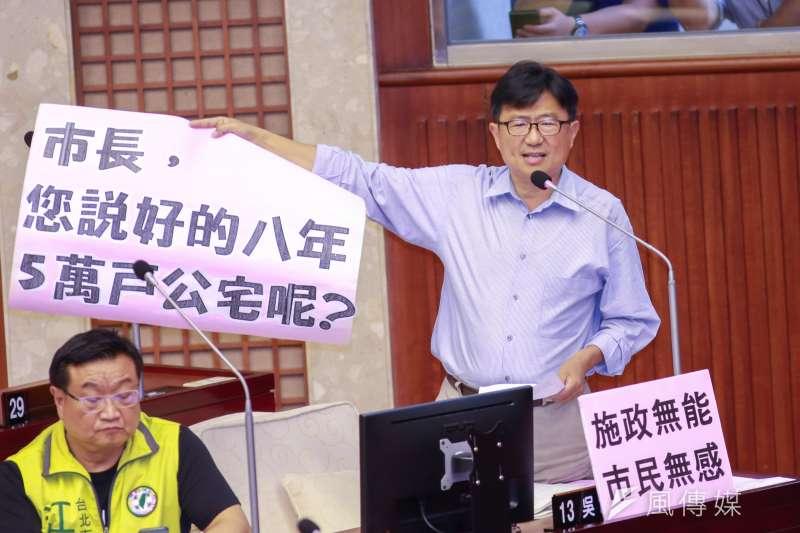 20190410-台北市議員吳世正10日進行質詢。(簡必丞攝)