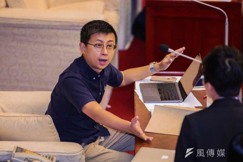 20190410-台北市議員邱威傑10日進行質詢。(簡必丞攝)