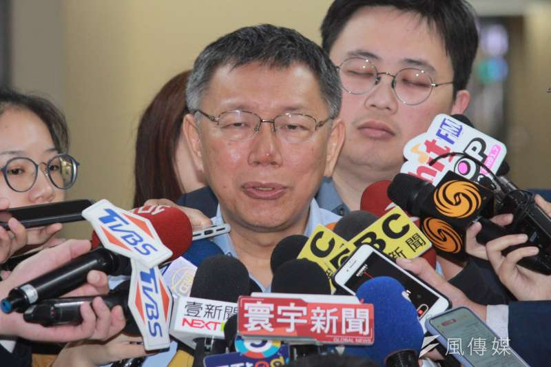 台北市長柯文哲11日於市府接受媒體聯訪。受訪時表示,雙城論壇今年應該是第10年,兩岸經貿關係密切,想說是不是透過這次論壇,把北台灣跟長三角經濟再做連結。(方炳超攝)