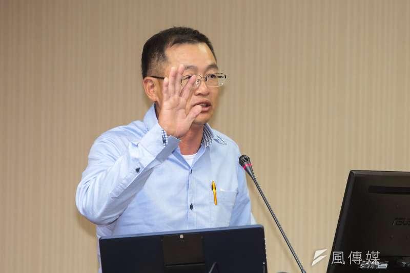 20190411-雲林縣地方人士許志豪11日出席衛環委員會,針對「4月7日六輕石化園區氣爆總檢討」備詢。(顏麟宇攝)