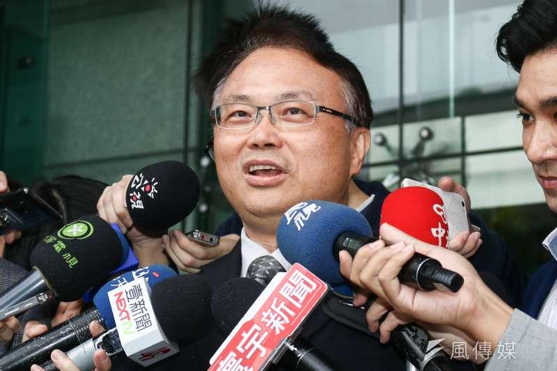 20190412-國民黨立委曾銘宗等人12日拜會NCC,NCC主秘蕭祈宏會後接受訪問。(蔡親傑攝)