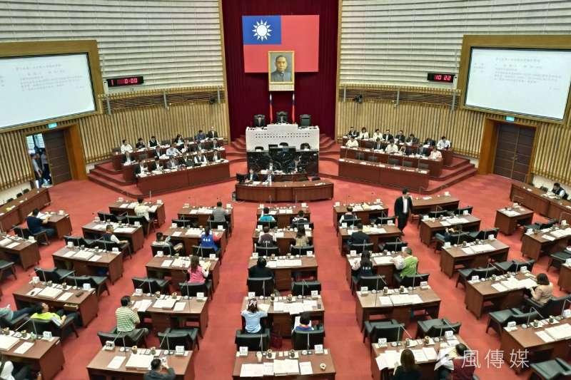 高雄市議會國民黨團抨擊民進黨根本就是眼紅心慌,一再以意識形態打壓韓國瑜聲勢。(圖/徐炳文攝)