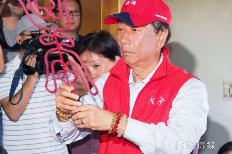 20190417-鴻海集團董事長17日前往淡水武聖宮參拜。(新新聞林瑞慶攝)