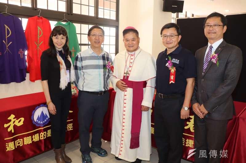 盛逢天主教在台灣開教160週年,於明誠中學舉辦天主教復活節文化月活動。(圖/徐炳文攝)
