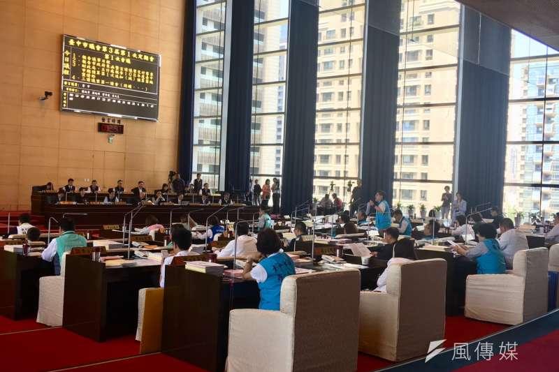台中市議會定期大會第一天,審議市府所提追加減預算。(圖/王秀禾攝)