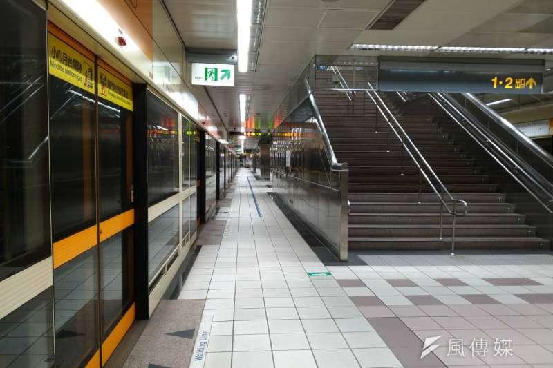 花蓮縣秀林鄉18日下午13:01發生規模6.1有感地震,台北捷運暫停服務,月台乘客淨空。(風傳媒)