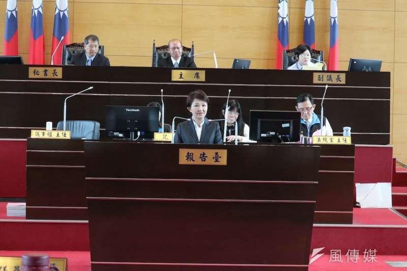 台中市長盧秀燕首次議會定期會施政報告,提出現在延續的市務及為來創新的規劃。(圖/記者王秀禾攝)