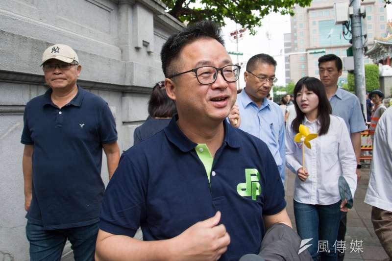 4月27日廢核大遊行,民進黨秘書長羅文嘉參加。(甘岱民攝)