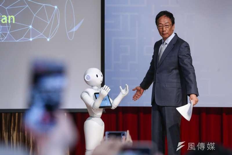 郭台銘昨日(30)參觀2019 COMPUTEX,強調政府對科技產業發展要扮演關鍵角色。(資料照/陳品佑攝)