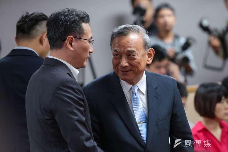 20190502-法務部次長陳明堂(右)2日出席司法法制委員會,協商同婚法案。(顏麟宇攝)