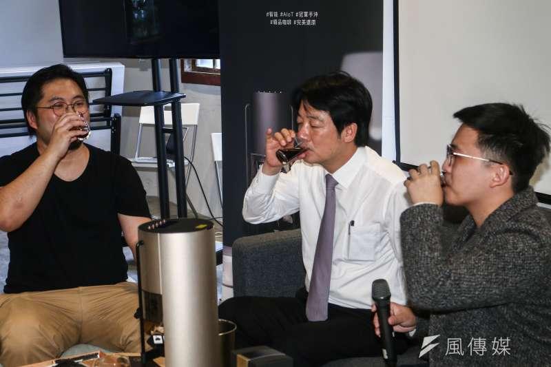 20190503-前行政院長賴清德3日出席亞太品牌咖啡交流會,並與業者一同品嘗咖啡。(蔡親傑攝)