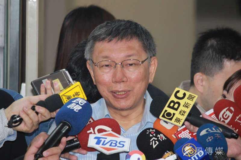 針對將進行幕僚、發言人海選,台北市長柯文哲3日上午在市府受訪時表示,向天下徵才是一種理念。(方炳超攝)