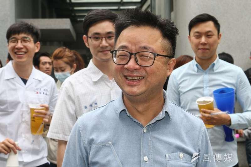 同婚法案17日在立法院表決,民進黨秘書長羅文嘉也出席在青島東路由平權團體發起的集會,呼籲讓平權法案順利過關。(資料照,蔡親傑攝)