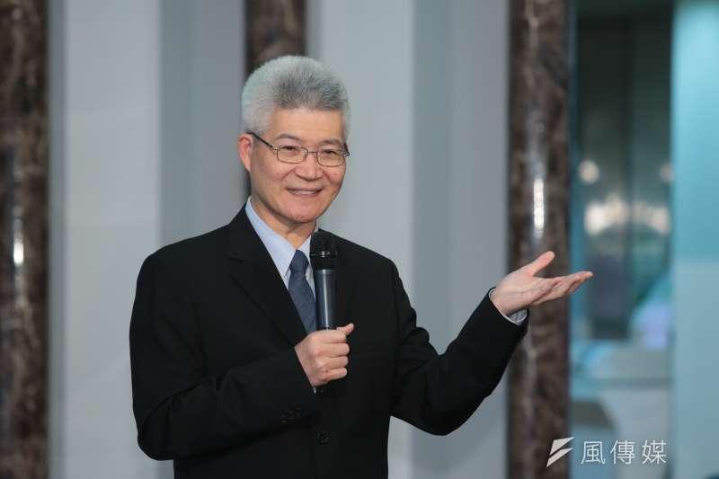 台灣事實查核中心與優質新聞發展協會未來即將推動工作坊與亞洲論壇,協會理事長胡元輝6日出席時指出,希望大眾能體認到假新聞的危害,以及事實查核的重要性,讓台灣的民主能夠穩定地走下去。(顏麟宇攝)