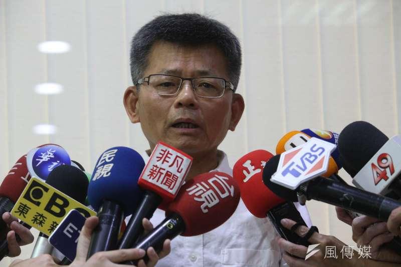 前高雄縣長楊秋興15日宣布主動退出國民黨,未來將以無黨籍身分繼續關心台灣。(資料照,徐炳文攝)