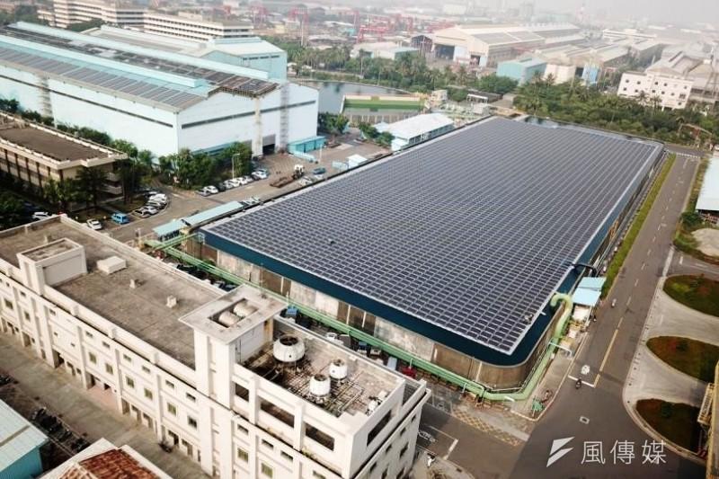 財信傳媒董事長謝金河預測,台灣下個可飛躍大成長的產業會是新能源,包括太陽能,離岸風力發電及相關儲能輸配電產業。(資料照,徐炳文攝)