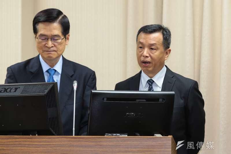 20190516-國防部發言人陳中吉(右)16日於外交國防內政委員會備詢。(顏麟宇攝)