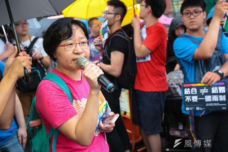 20190517-台灣伴侶權益推動聯盟秘書長簡至潔17日於立院外舉行「平權無分異同,婚姻不限國籍」記者會。(顏麟宇攝)