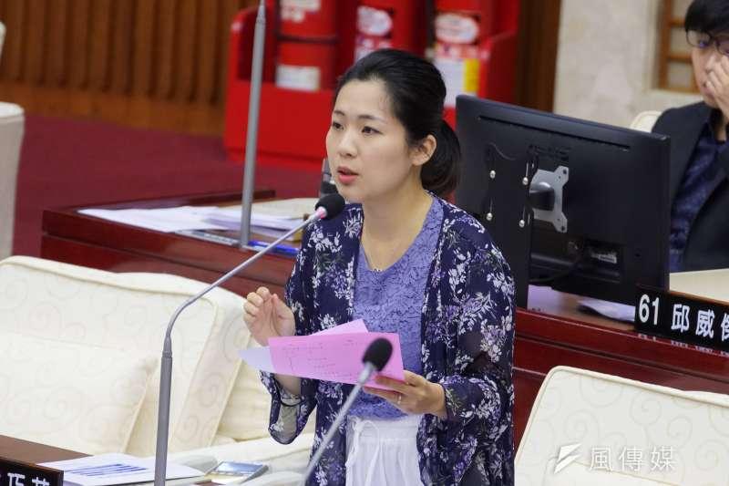 對於資深音樂人劉家昌批評她是國民黨籍,言論卻像是民進黨,台北市議員徐巧芯(見圖)表示,「如果你是紅的,就很容易把藍的看成綠的」。(資料照,盧逸峰攝)