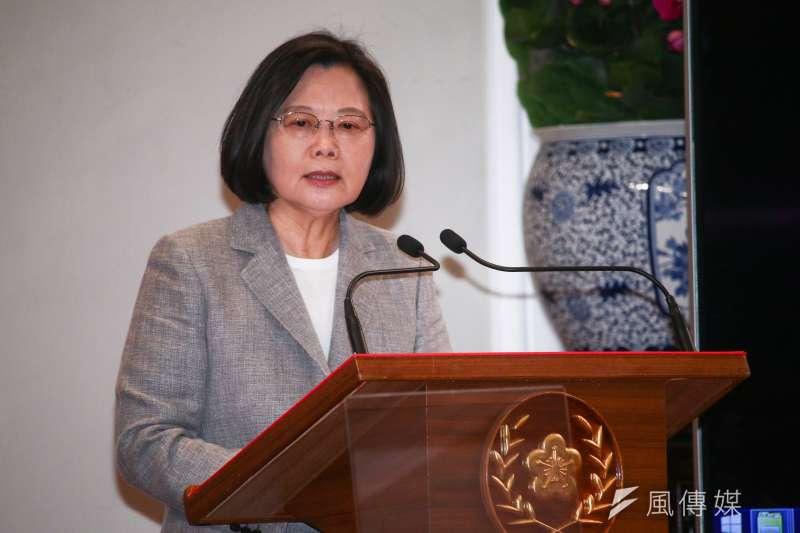 作者表示,台灣的選民也應該要拋棄舊有、庸俗的政治人物跟語言, 過多的政治操作以及空洞的言語都是沒有建設性的, 台灣人要睜大眼睛選出言之有物的總統!(資料照,蔡親傑攝)