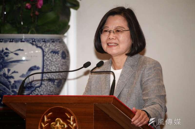 各項民調顯示,總統蔡英文支持確實回升。圖為蔡英文文主持「三年有成台灣進步關鍵字」記者會。(蔡親傑攝)