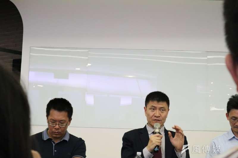21日於清華大學舉行的「六四清大座談會」上,人道中國主席周鋒鎖發表談話。(蔡娪嫣攝)