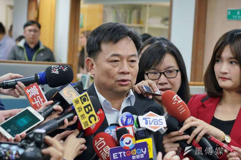 民進黨秘書長林錫耀表示,國產疫苗應在8月中便可施打,但應以指揮中心宣布為準。(資料照,盧逸峰攝)
