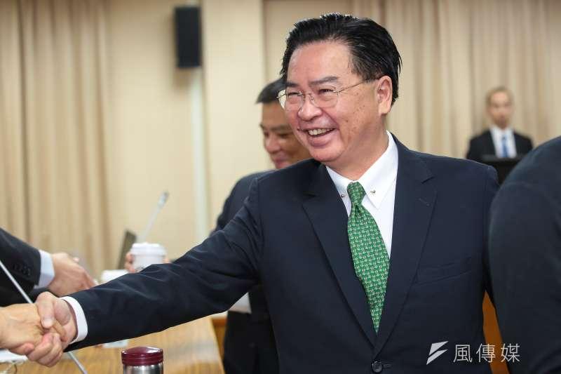 作者認為,外交部長吳釗燮回應中國駐美外交官崔天凱的推文,對於了解台灣現況的人而言,更像是一則極其諷刺的黑色幽默笑話。(資料照,顏麟宇攝)