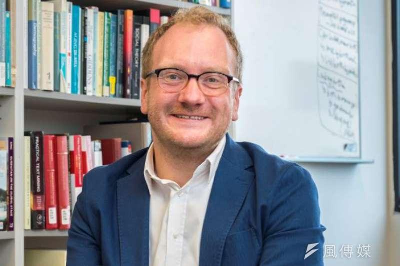20190526-龍應台文化基金會邀請貝斯圖(Stuart Gietel-Basten)教授探討少子話問題。(取自龍應台基金會臉書)